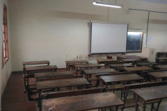 Classroom with LCD projector2